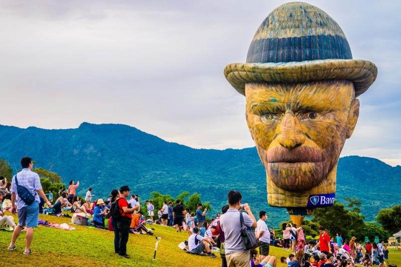 梵谷球是台東辦熱氣球嘉年華過去9年來最受歡迎的一顆。(記者黃明堂翻攝)
