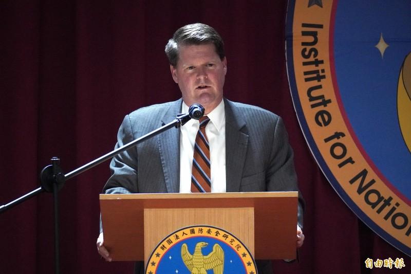 美國國防部前印太安全事務助理部長薛瑞福(Randall Schriver)訪問台灣,今天發表演講,強調美國是台灣的印太夥伴,也是台灣與區域共同願景國家之間的橋樑。(記者涂鉅旻攝)