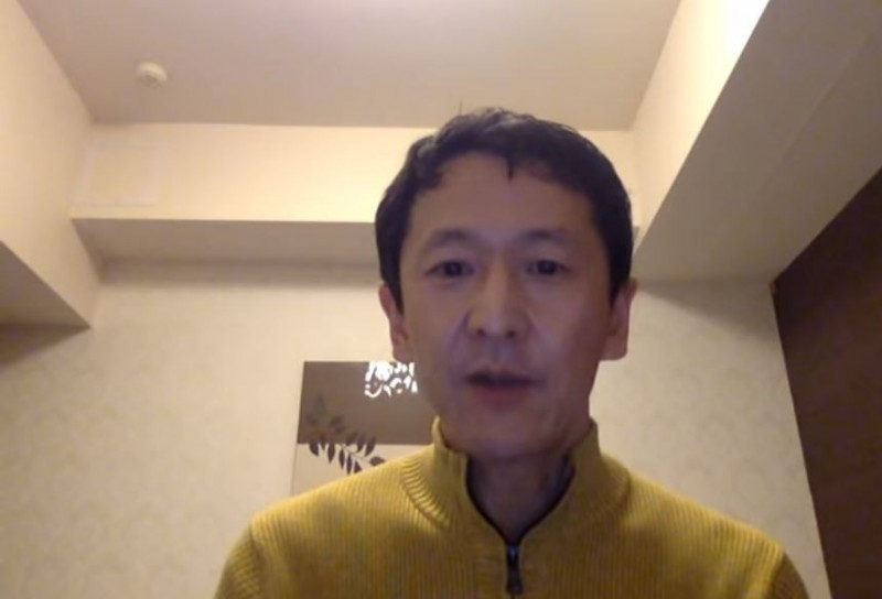 岩田健太郎在YouTube上傳影片,強調船上的環境十分惡劣,完全沒有做出感染危險區與安全區的差別。(圖擷取自YouTube)