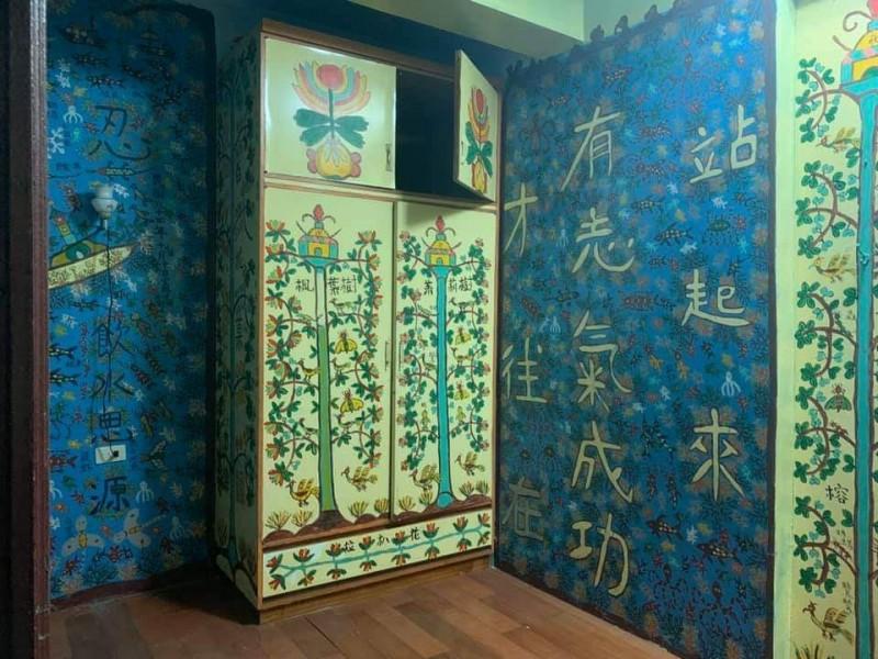 李翁作品有風景也有自然環境,偶爾還會寫上簡短文字,宛如自己的人生寫照。(記者張議晨翻攝)