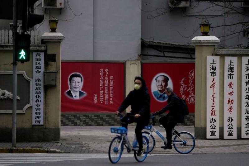 中國政府近日強烈抨擊台灣使用「武漢肺炎」一詞,醫生作家蔡依橙指出,「極權政體習慣去控制語言,定義詞彙,進而限制思考」,並向大眾呼籲「要擁有自己的詞彙、自己的語言」,避免被混淆。(路透,示意圖)