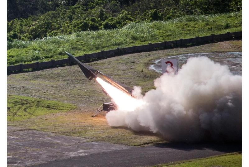 飛彈部隊進行鷹式飛彈實彈射擊操演。(資料照,軍聞社提供)