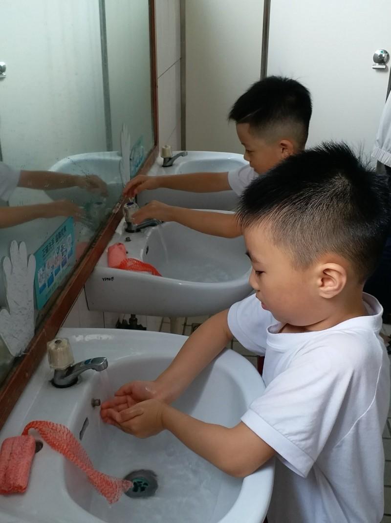防範武漢肺炎,應做好勤洗手等個人防疫工作。圖為情境照,圖中人物與本文無關。(記者蔡淑媛翻攝)