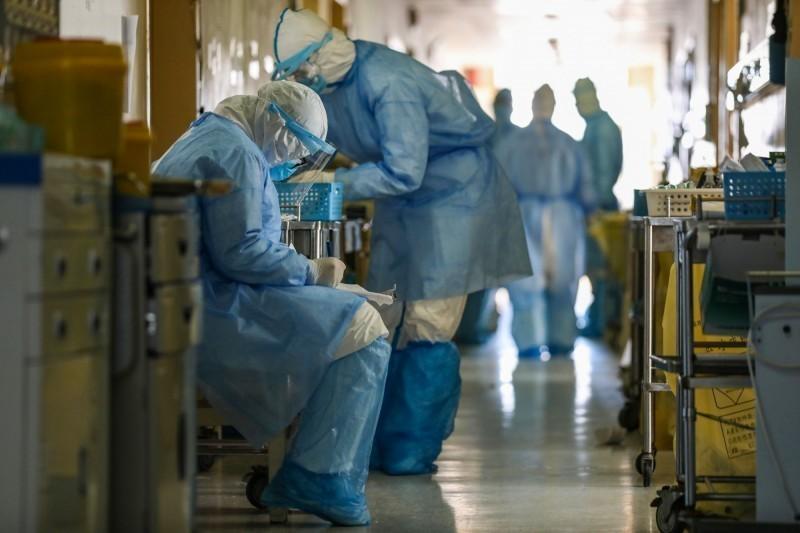 中國武漢爆發的新型冠狀病毒引發的肺炎疫情持續延燒。(法新社資料照)