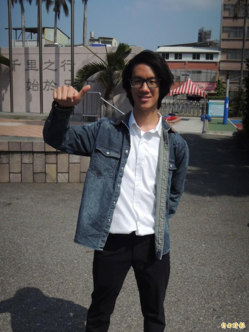 自然組59級分的劉愷瑄,為全校第二高分,表現亮眼。(記者張勳騰攝)
