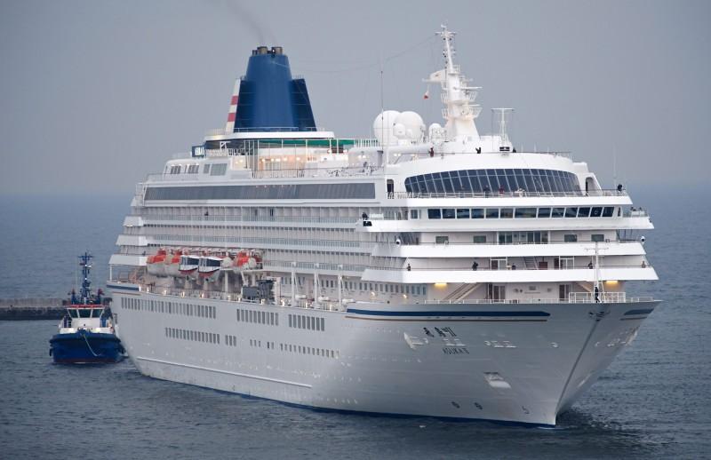 日本郵船旗下的飛鳥II郵輪(圖),仍預定4月2日從橫濱港出發環遊世界103天。(歐新社)