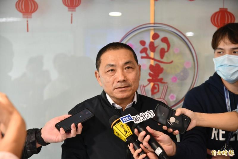 新北市長侯友宜說,台北市長柯文哲有醫生專業,比他強多了。(記者何玉華攝)