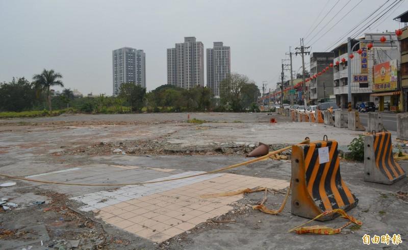 大里15期市地重劃工程預計6月前動工,原「公一」上的地上物目前已完成拆遷。(記者陳建志攝)