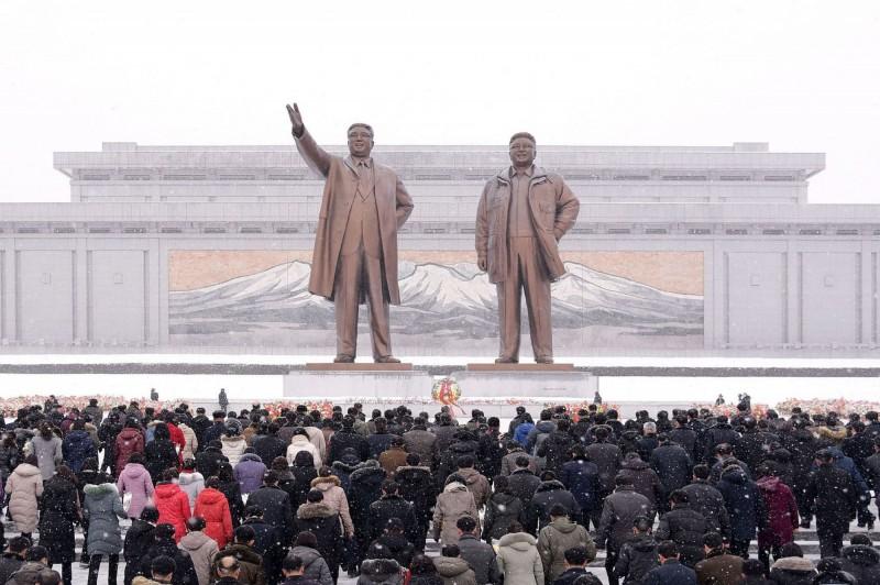北韓官媒表示,人民應避免大型公開聚會,否則爆發疫情將招致災難性後果。(法新社)