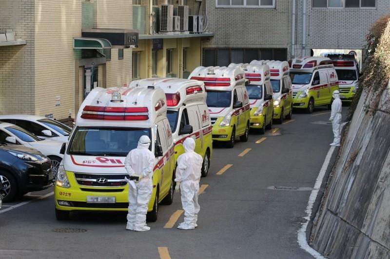 韓國今(25日)出現第9個死亡病例。(路透)