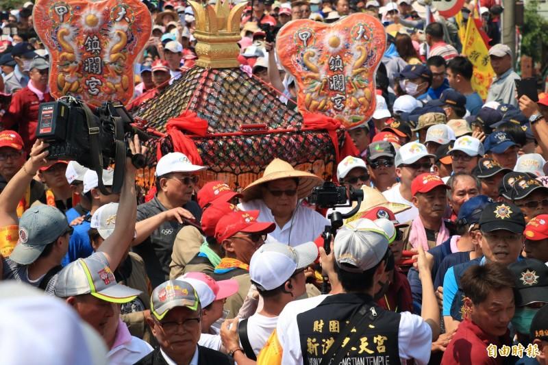 陳志金表示,台灣各專業醫學會年會紛紛都延期,大型宗教集會卻如期舉行,讓他十分不解。(資料照)