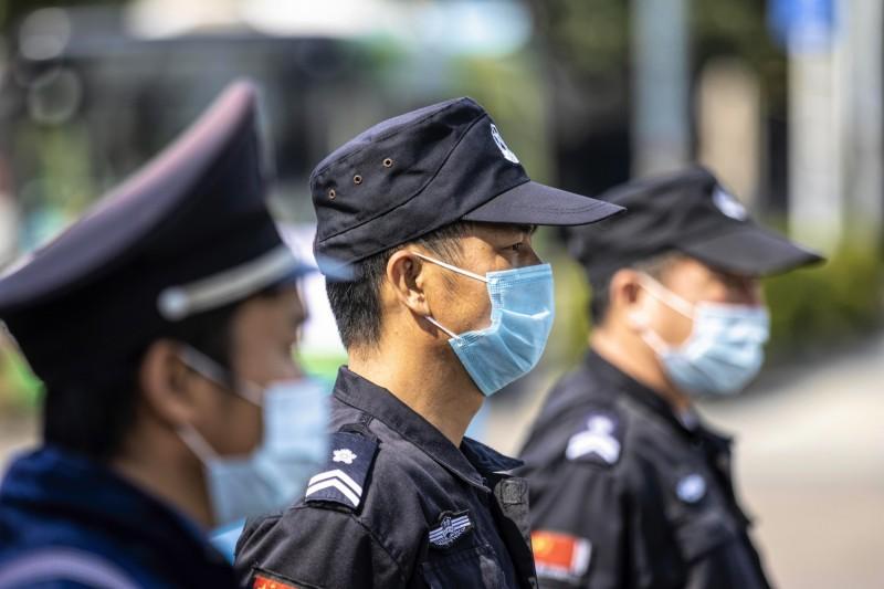 中國司法部今表示,全國3個省內有5間監獄出現武漢肺炎疫情,共555例確診。(歐新社)