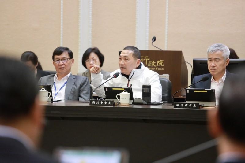 新北市長侯友宜出席行政院會,針對防疫工作提出建言。(新北市政府提供)