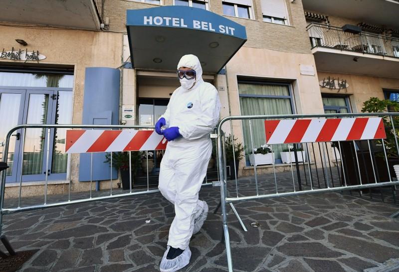 義大利武漢肺炎疫情失控,成為歐洲疫情最嚴重的國家,截至台灣時間27日清晨,義大利確診人數飆升至447例,其中有12人死亡。(歐新社)