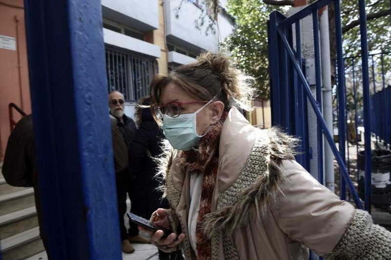 希臘26日出現首例確診後,27日再增2例,政府也宣布暫停該國所有狂歡節活動。(美聯社)