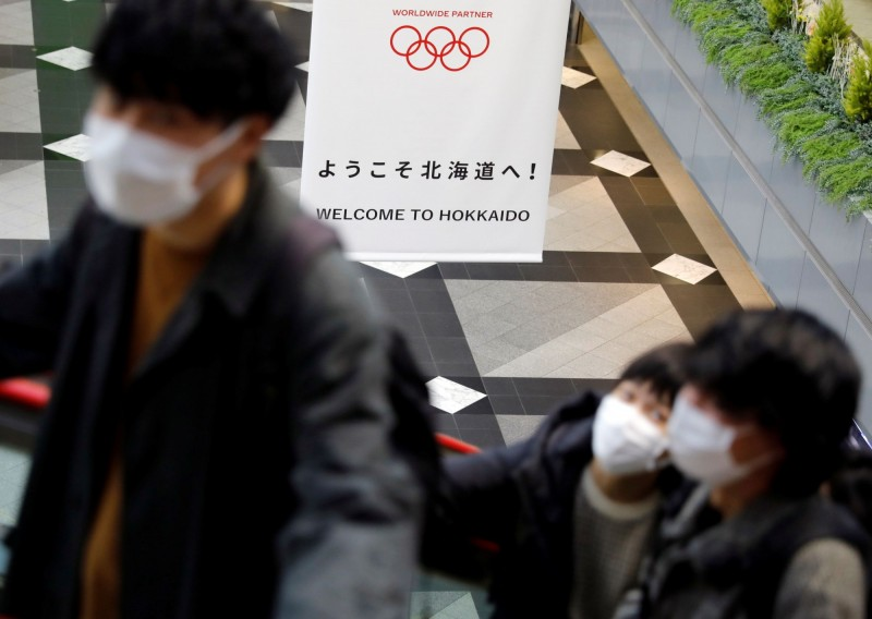 北海道今(27)日一口氣增加了15例確診,首度出現2位數增加,且新患者有2名未滿10歲的男童。(路透)