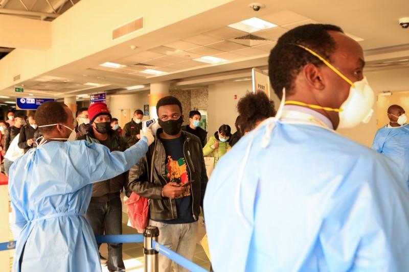 奈及利亞出現首位武漢肺炎患者,這是西非第一起確診病例,也是整個非洲的第3例。非洲機場防疫示意圖。(歐新社)