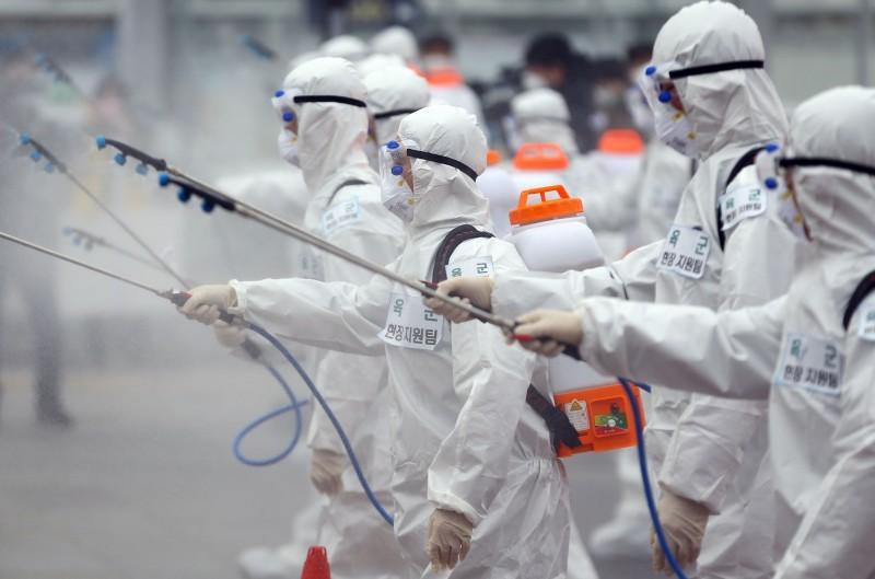 中國武漢肺炎疫情近日在南韓大爆發。示意圖。(法新社)