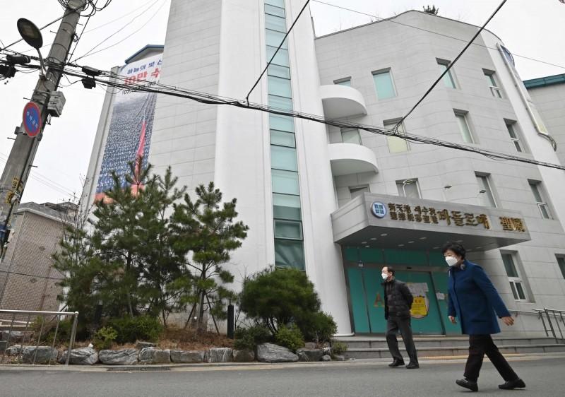 中國武漢肺炎疫情持續在南韓延燒。示意圖。(法新社)