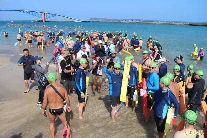 今年泳渡澎湖灣,因武漢肺炎影響停辦。(記者劉禹慶攝)