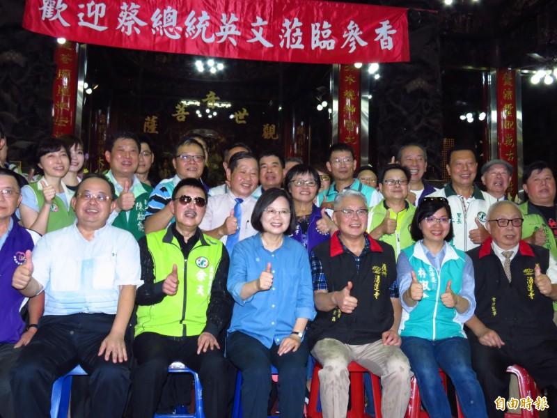 陳宏昌(前排右3)表示,國民黨應該還他一個公道,但絕對不是希望恢復國民黨黨籍。(記者陳心瑜攝)