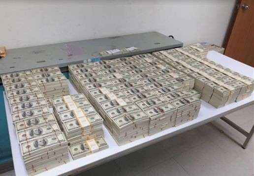 警方查扣近1100萬元假美鈔。(資料照)