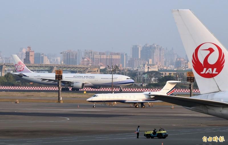 圖為高雄機場。(資料照)