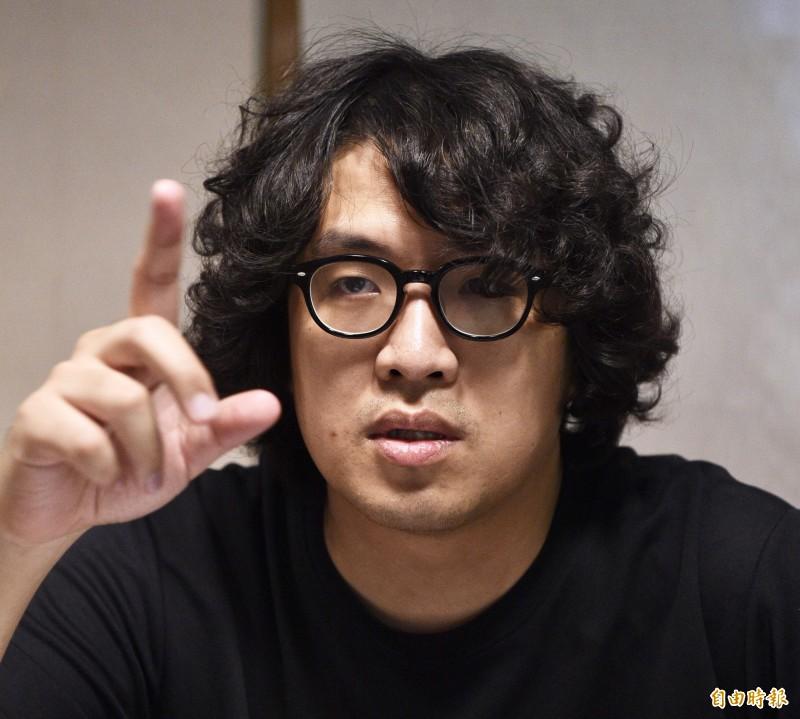 台北大學犯罪研究所助理教授沈伯洋(見圖)表示,中國網軍正在等待台灣疫情升溫,現在的假消息攻勢只是「鋪梗」的試水溫階段,總攻擊還沒開始。(資料照,記者羅沛德攝)