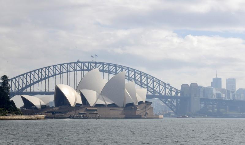 澳洲政府發布,1名52歲男性遊客從雪梨前往北領地達爾文市,被驗出新型冠狀病毒陽性反應。(歐新社檔案照)