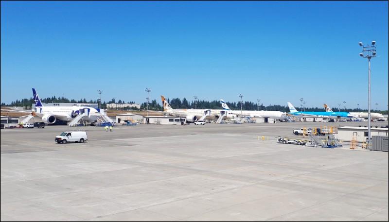 桃園機場增設第三跑道案昨通過環評初審,航空城都市計畫向前邁進一大步。(資料照)