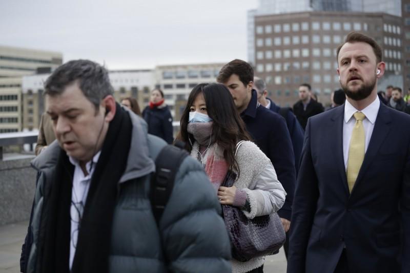 武漢肺炎疫情持續延燒,英國繼3日宣布國家進入層級為緊急程度最高的「第4級事件」(level 4 incident),將其列為「法定傳染病」(Notifiable disease)後,截至今天上午,英國累計確診病例達到90例。(美聯社)