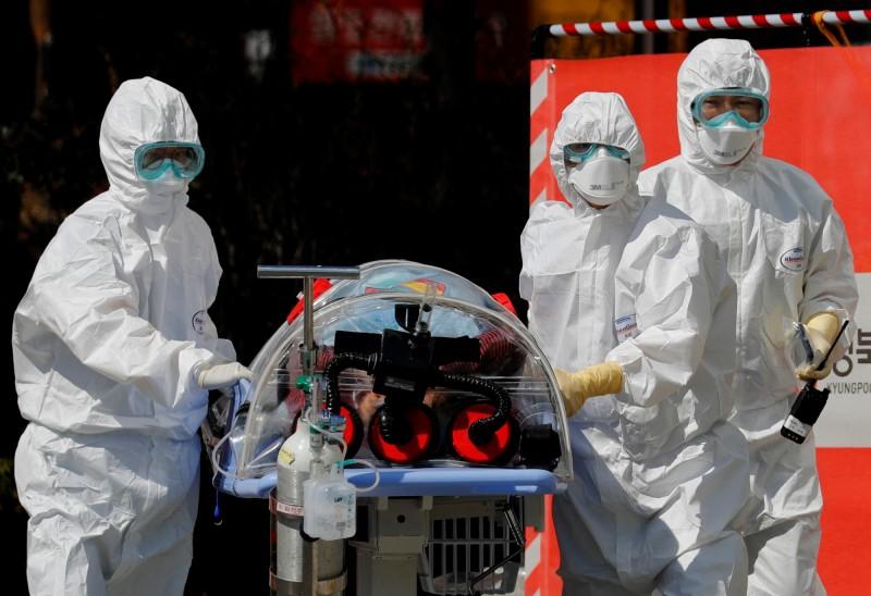 韓國1名86歲老婦生前經過4次新型冠狀病毒篩檢都呈現陰性,但死後再採卻驗出陽性。(路透)