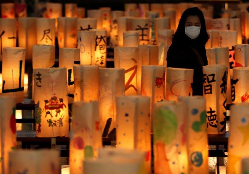 中國武漢肺炎疫情延燒全球,今日累計確診總人數突破10萬人。(路透)