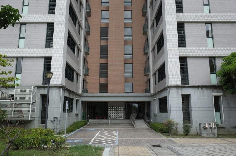 南科高雄園區托嬰中心預計設置在有眷宿舍一樓。(記者許麗娟翻攝)