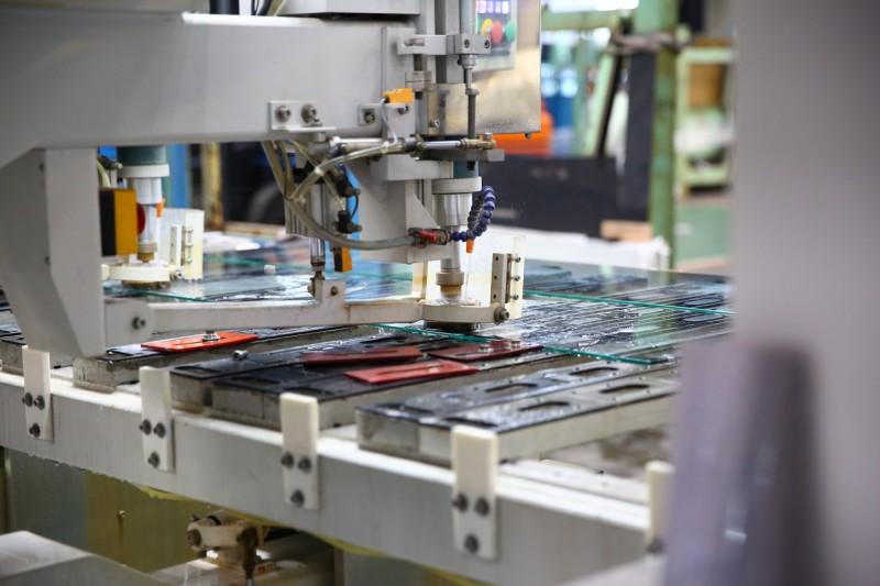 專作玻璃加工製造的台明將公司,今年訂單成長40%!(記者劉曉欣翻攝)