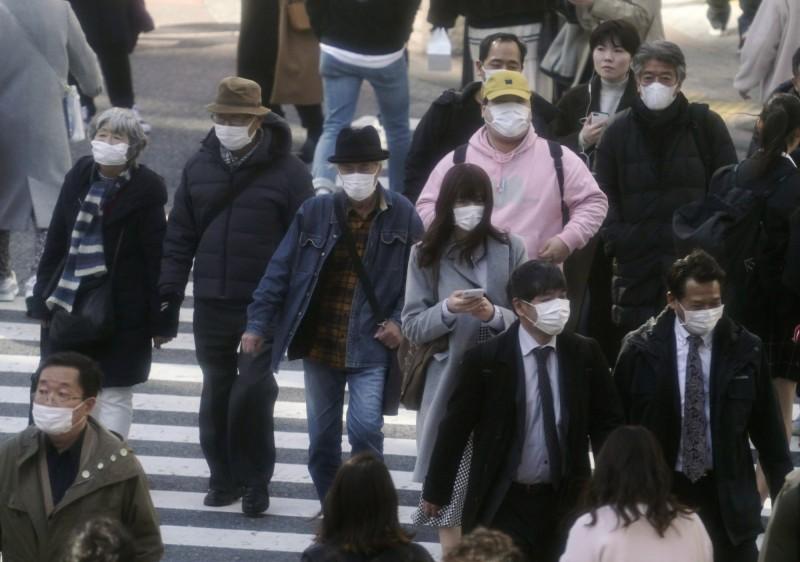 日本靜岡縣議員諸田洋之在網拍出售大量口罩,事情曝光後他透露這是自己之前經營貿易公司的庫存。(歐新社)