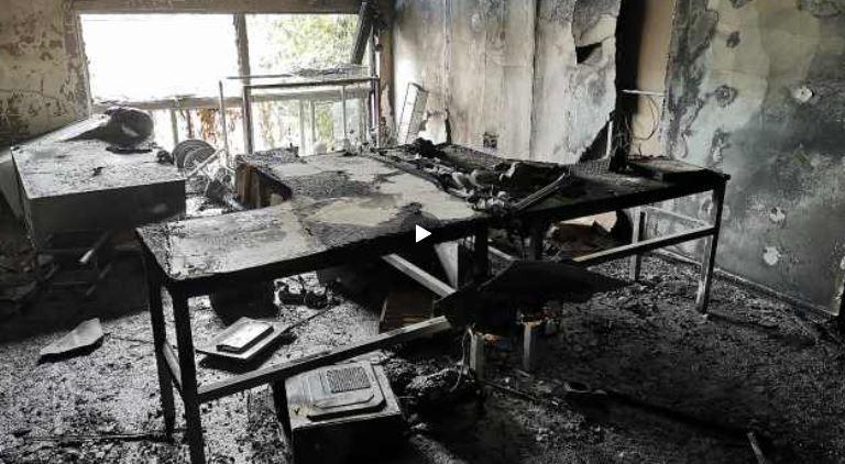 中國有公司辦公室噴灑酒精消毒結果出了意外,發生火災。(圖翻攝自梨視頻)