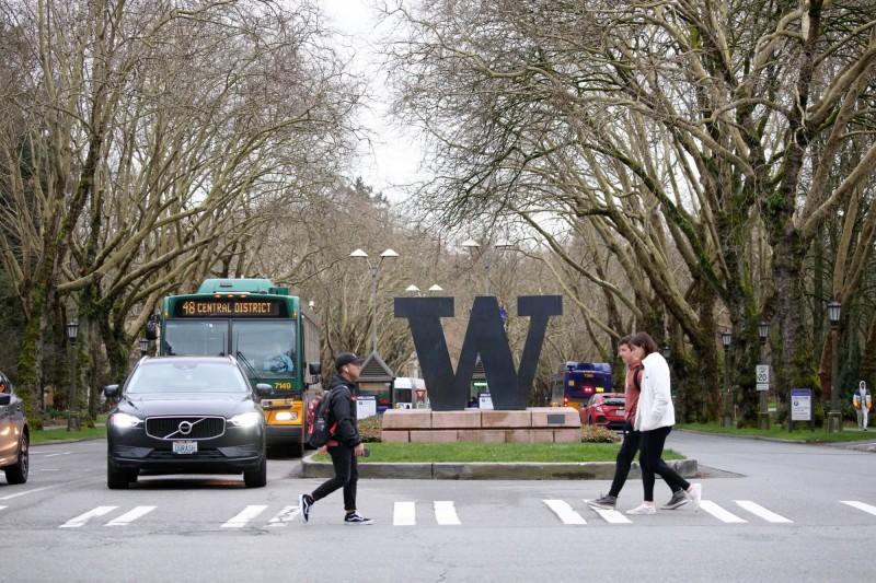 華盛頓大學從9日開始改為全面網路上課。(法新社)