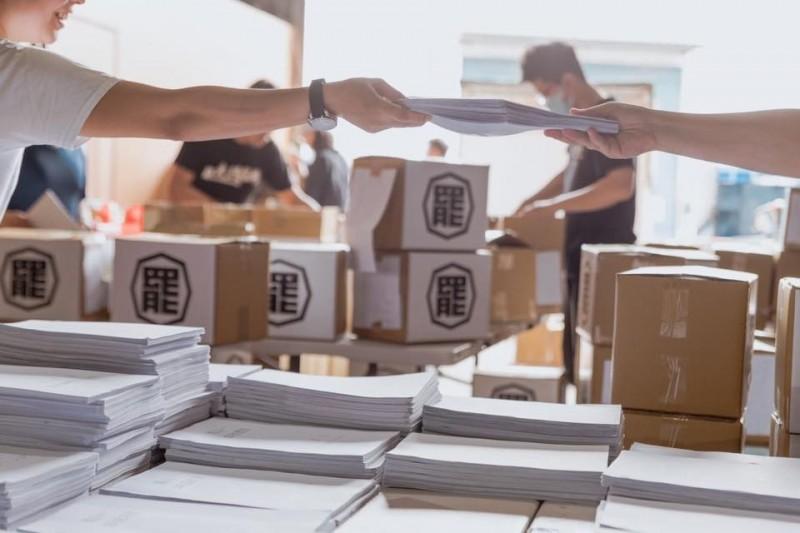 罷韓二階40萬份明送件 裝箱曝光「罷」字顯霸氣