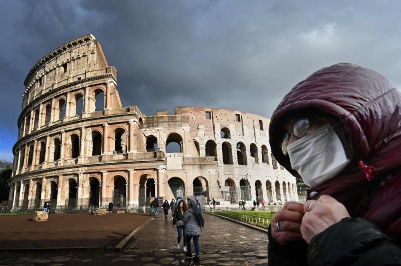 武漢肺炎疫情在全球各地不斷蔓延。(法新社)