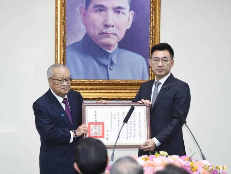 國民黨新任黨主席江啟臣(右)就職典禮。(記者廖振輝攝)