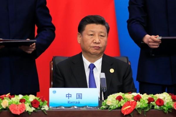 中國網路日前出現一篇嚴厲批判中共總書記習近平(見圖)的文章,指他「剝光了衣服也要堅持當皇帝的小丑」,此文被普遍認為出自地產商任志強之手。(資料照,路透)
