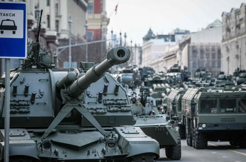 俄羅斯雖然仍是軍武出口第二大國,但出口量已有下降趨勢。法新社)