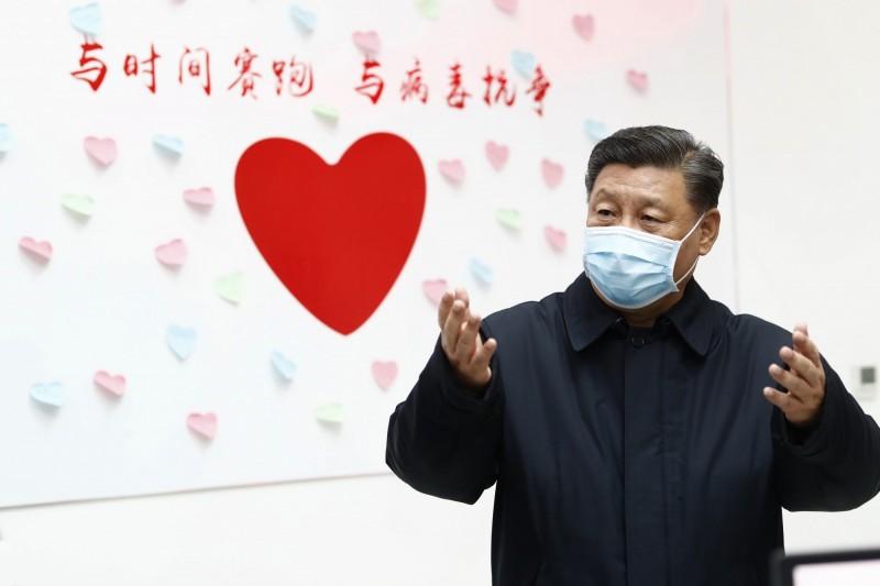 中國當局宣布,國家主席習近平今上午飛抵武漢視察,此為自武漢肺炎疫情爆發以來,習近平首度前往武漢。(美聯社)