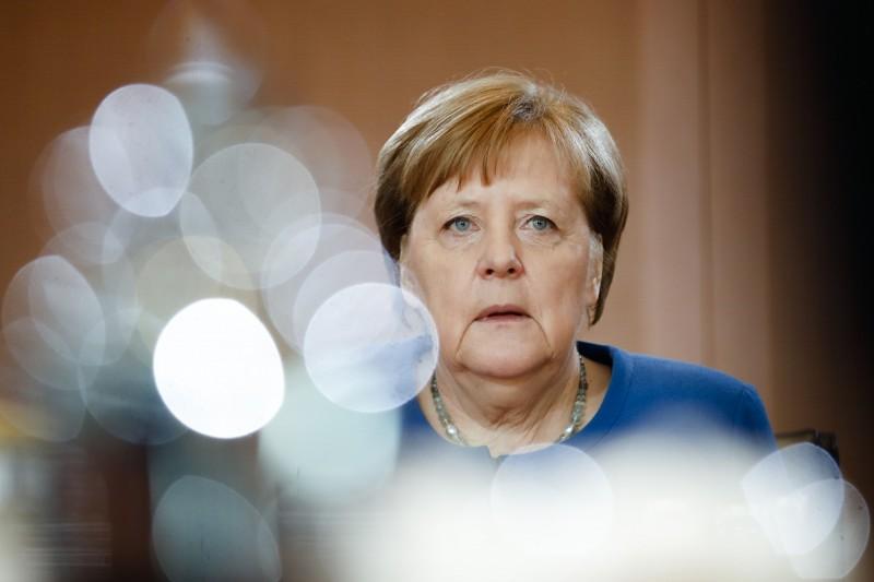 德國總理梅克爾(見圖)引用專家分析,警告恐有60至70%德國人會感染武漢肺炎。(美聯社)