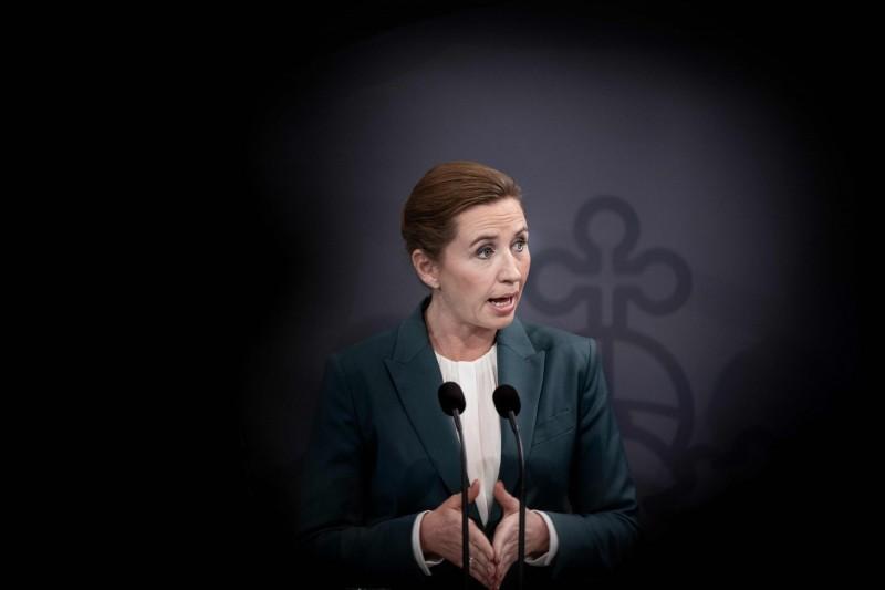 丹麥總理梅特·弗雷德里克森(Mette Frederiksen)緊急宣布關閉全國學校,成歐洲第2個封閉管理的國家。(美聯社資料照)