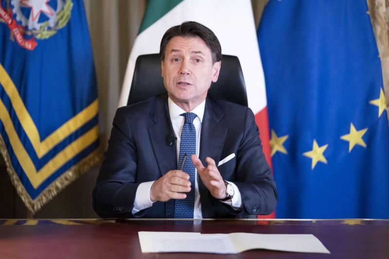 義大利總理孔蒂(Giuseppe Conte)12日宣布,除了生活必需用品商店及藥房之外,全國所有商店一律關閉,但公共交通工具和物流將正常營運。(歐新社)