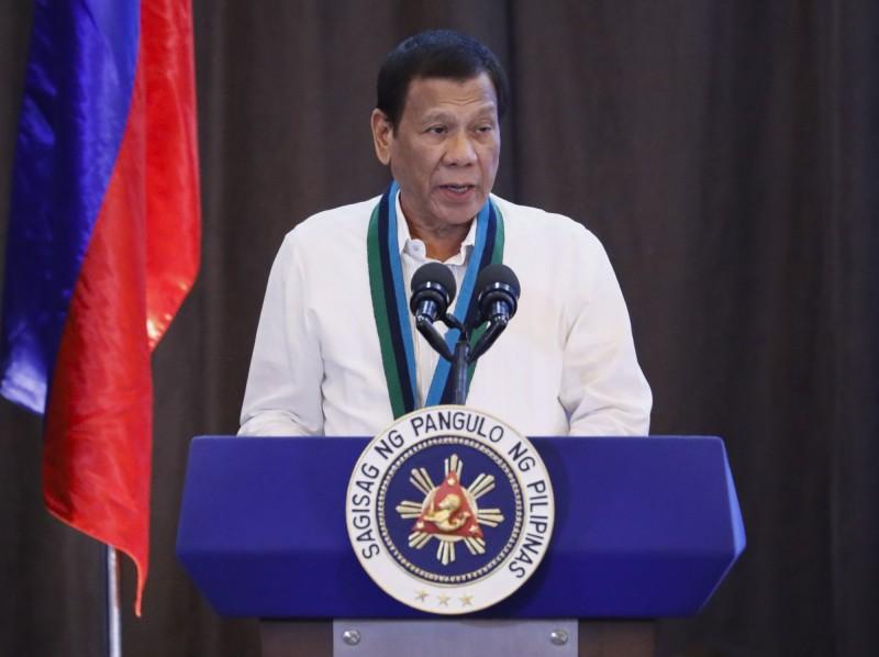 武漢肺炎疫情延燒,菲律賓多名內閣官員及參議員宣布採取自我隔離,總統杜特蒂接受病毒檢驗。(歐新社)