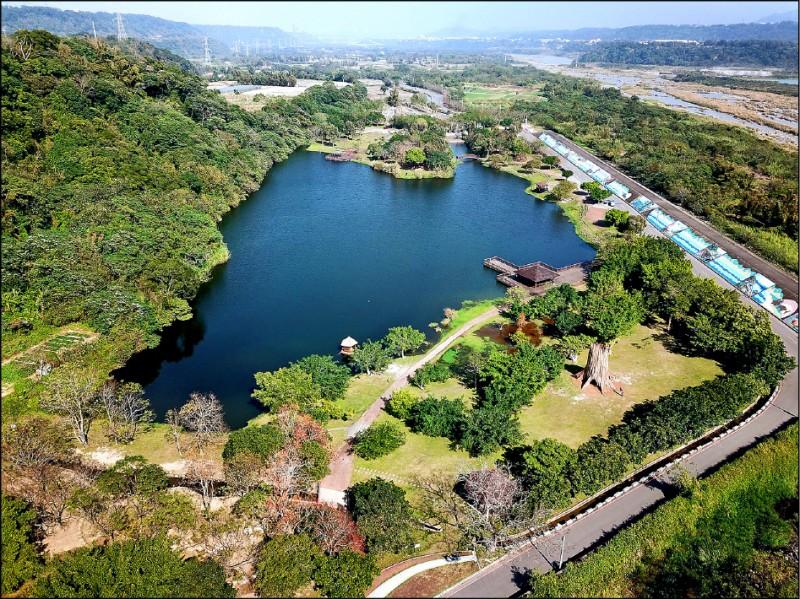 「三坑茶港水與綠營造計畫」將復刻龍潭於河運時代的風貌與美好, 昨舉行開工典禮。 圖為龍潭三坑自然生態公園。 (市府客家局提供)