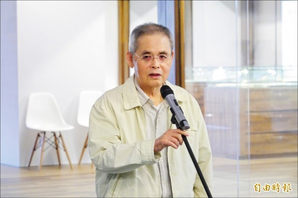 台灣國寶級詩人楊牧今日於台北國泰醫院辭世,享壽80歲。(資料照,記者花孟璟攝)